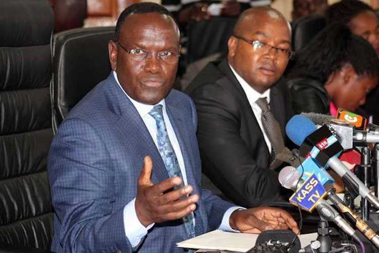 Photo: Health Cabinet Secretary Cleopa Mailu (left) wi th his PS Nicholas Muraguri during the press conference at Afya House on October 30, 2016. Credit: Dennis Onsongo | Nation Media Group