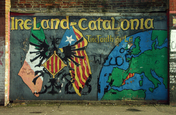 Photo: A mural in Belfast (05.02.2005). Credit: Wikimedia Commons.
