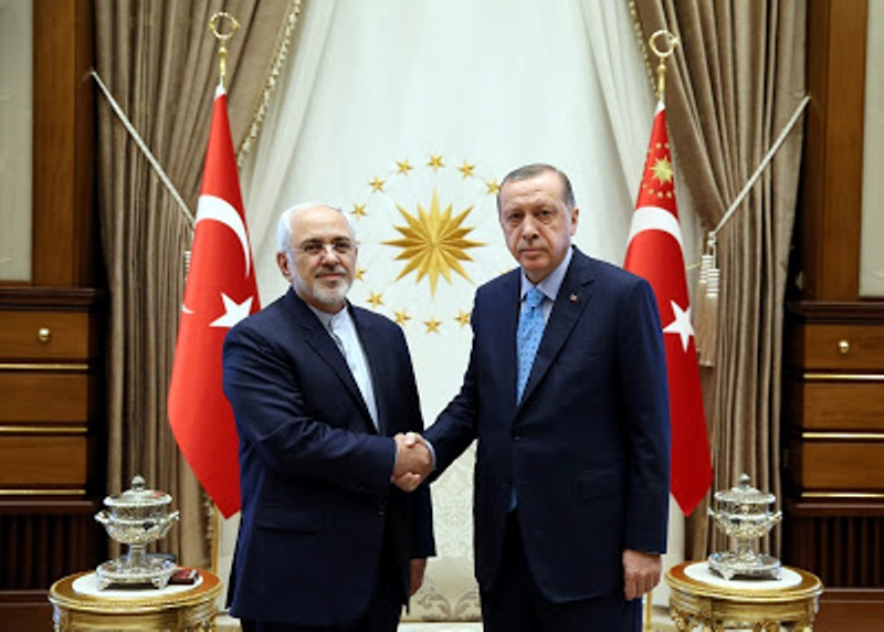 Photo: Iranian Foreign Minister Javad Zarif (left) meets Turkish President Recep Tayyip Erdogan during his visit to Ankara, June 2017. Credit: © Yasin Bulbul